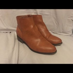 Forever 21 BAMBOO Camel colored ankle booties